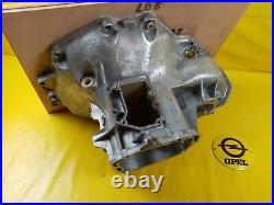 NEU + ORIGINAL GM Opel F10 Getriebe Getriebegehäuse Getriebeglocke
